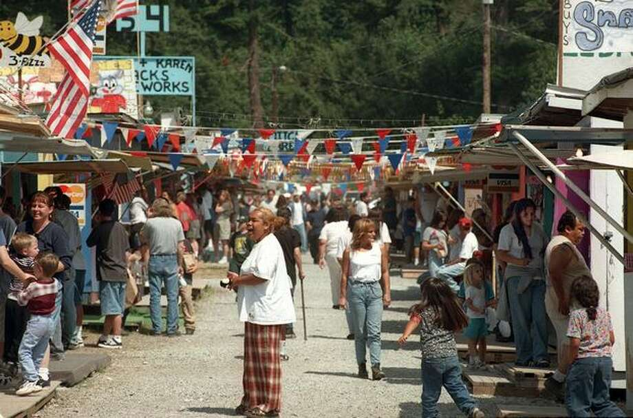 Boom City on the Tulalip Indian Reservation had 162 fireworks stands in July 1998. Photo: P-I File