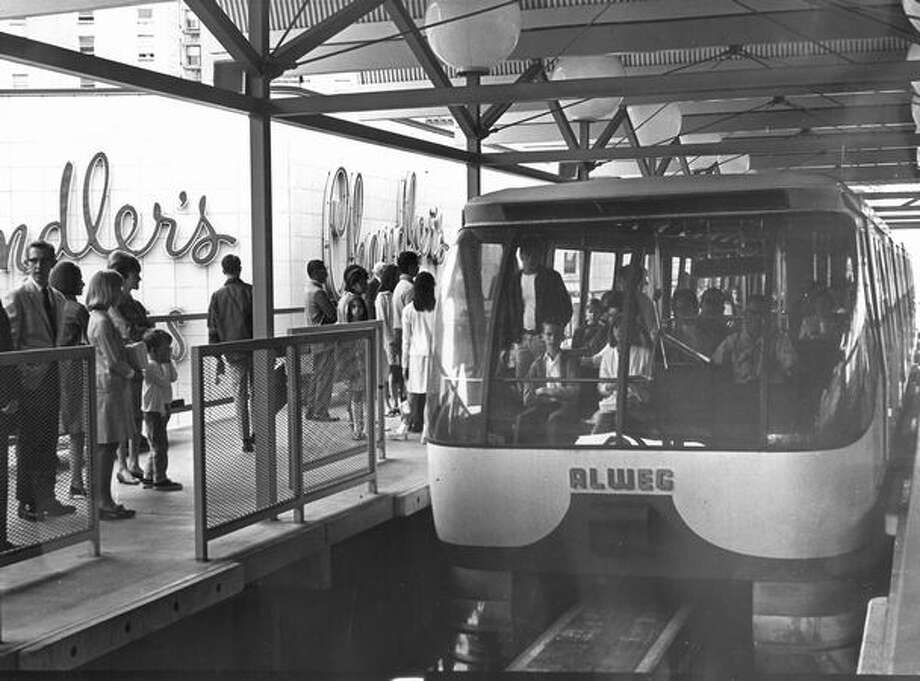 The Monorail at the Westlake station, March 26, 1975. Photo: P-I File