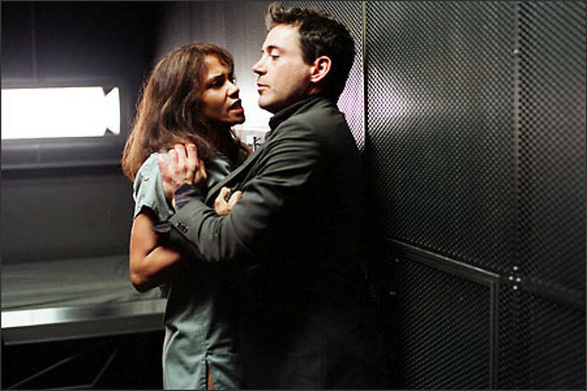 Halle Berry and Robert Downey Jr. both portray criminal psychologists in the movie.