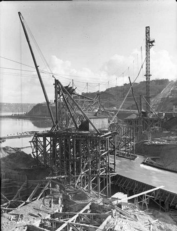 The Fremont Bridge, March 1916. (Seattle Municipal Archives/967) Photo: P-I File
