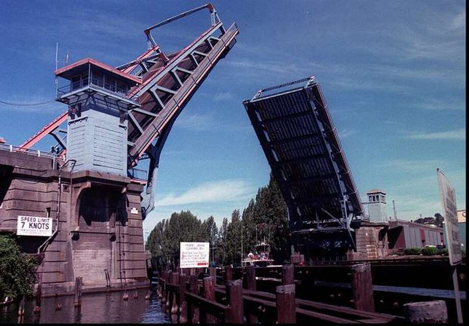 Fremont bridge opening up for a boat, 1995. Photo: P-I File