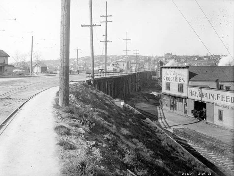 The previous Fremont Bridge, March 1915. (Seattle Municipal Archives/587) Photo: P-I File