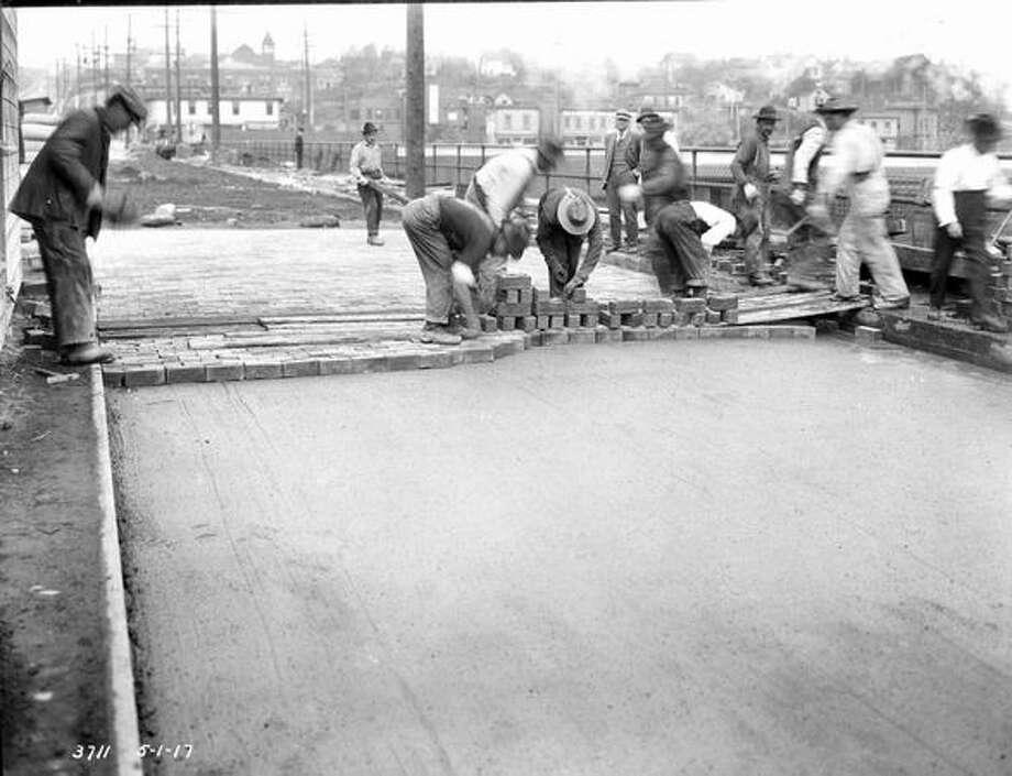 The Fremont Bridge, May 1917. (Seattle Municipal Archives/1333) Photo: P-I File