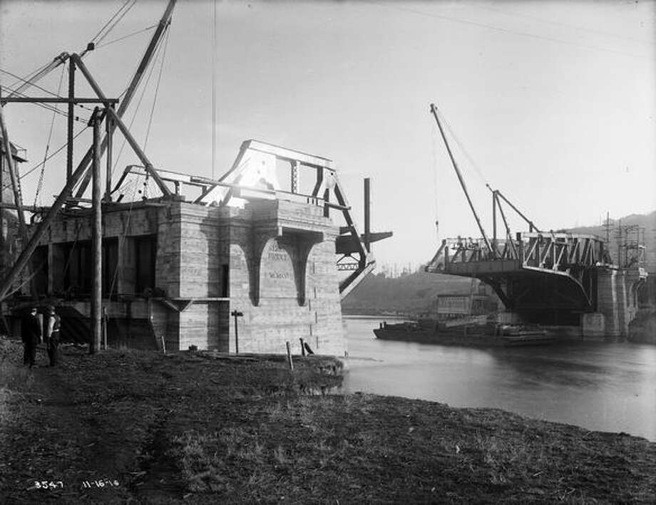 The Fremont Bridge, November 1916. (Seattle Municipal Archives/1192) Photo: P-I File