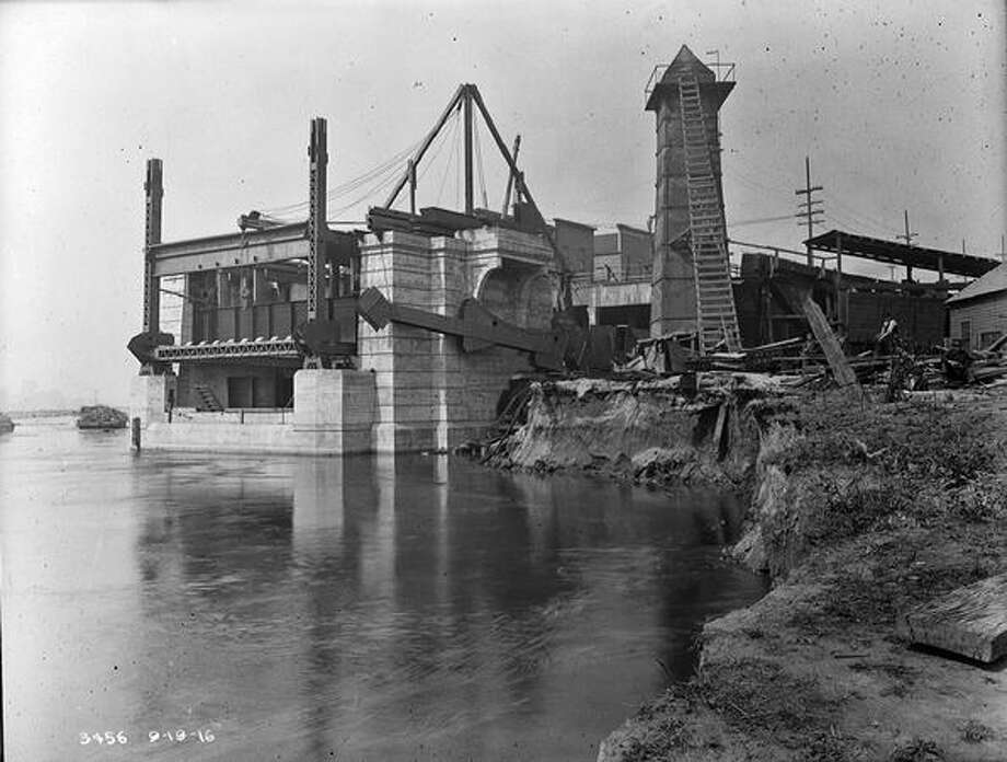 The Fremont Bridge, September 1916. (Seattle Municipal Archives/1135) Photo: P-I File