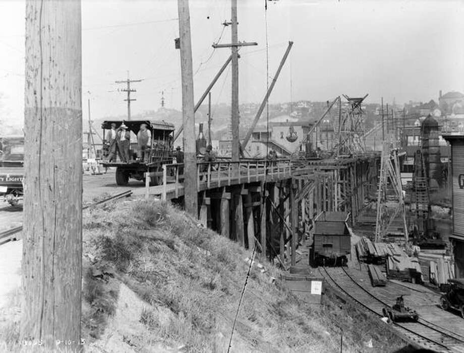 Bridge work in Fremont, September 1915. (Seattle Municipal Archives/829) Photo: P-I File
