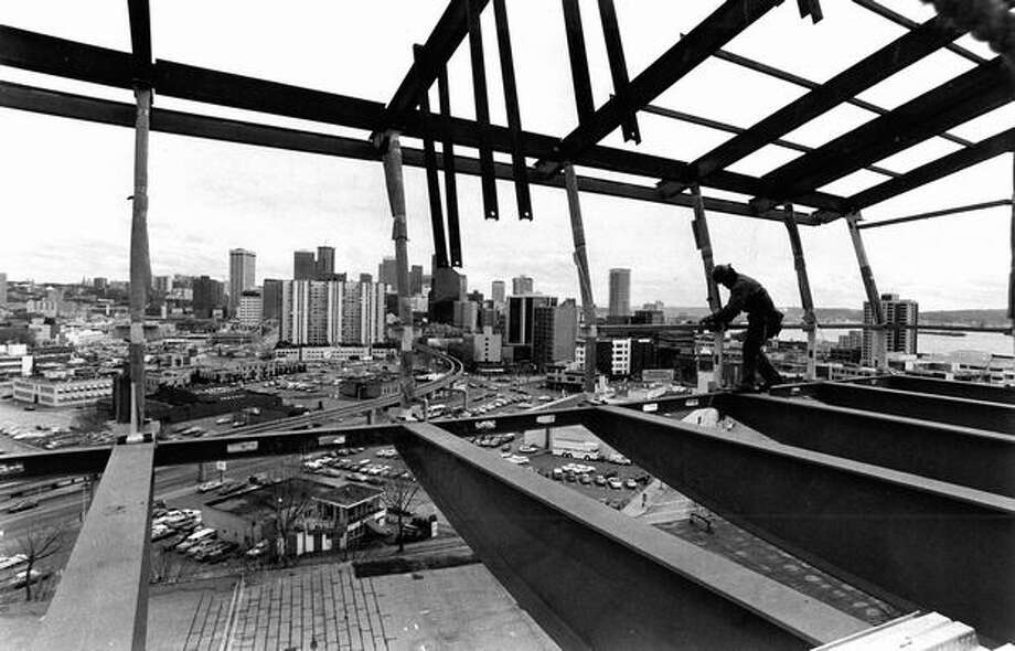 Construction of the 100-foot level of the Space Needle, June 3, 1982. Photo: P-I File