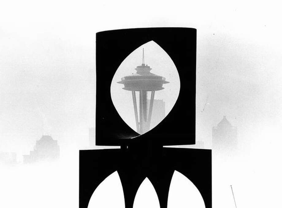 "The Space Needle through the sculpture ""Changing Form"" in Kerry Park, Sept. 6, 1991. Photo: P-I File"