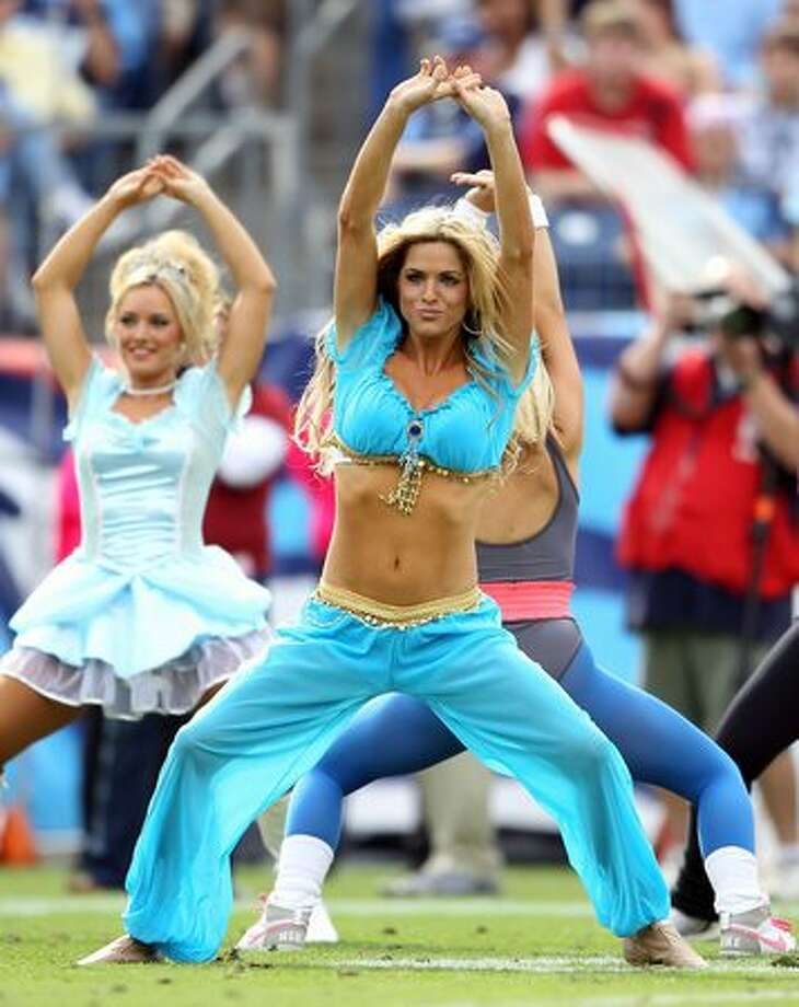 Tennessee Titans cheerleaders. Photo: Getty Images