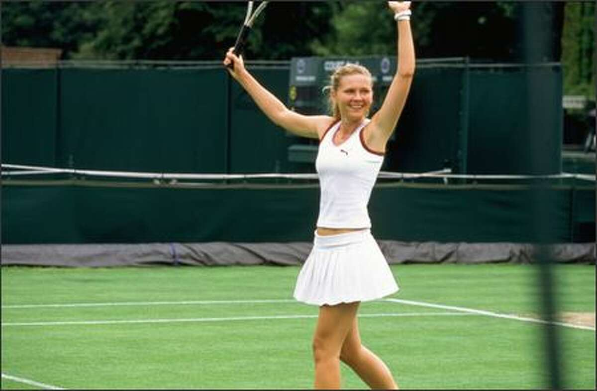 """Dunst plays tennis pro Lizzie Bradbury. The film attempts to build a romance between her character and Bettany's character as a case of """"opposites attract."""""""