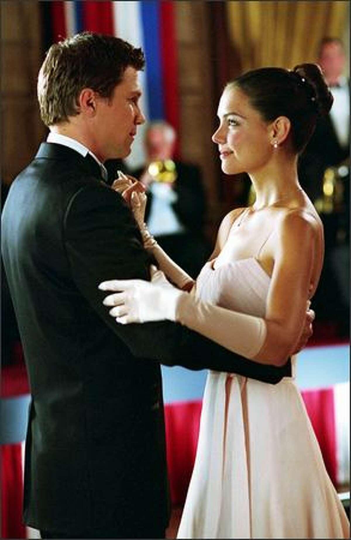 Samantha, (Katie Holmes) enjoys a romantic evening with new boyfriend James (Marc Blucas).