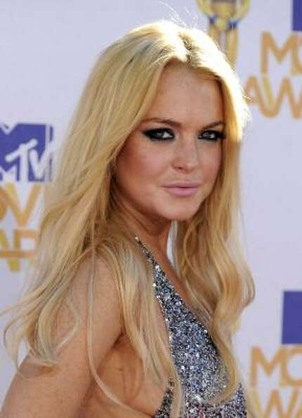 You win some, you lose some. Lindsay Lohan withdrew her support for Obama, and now backs Mitt