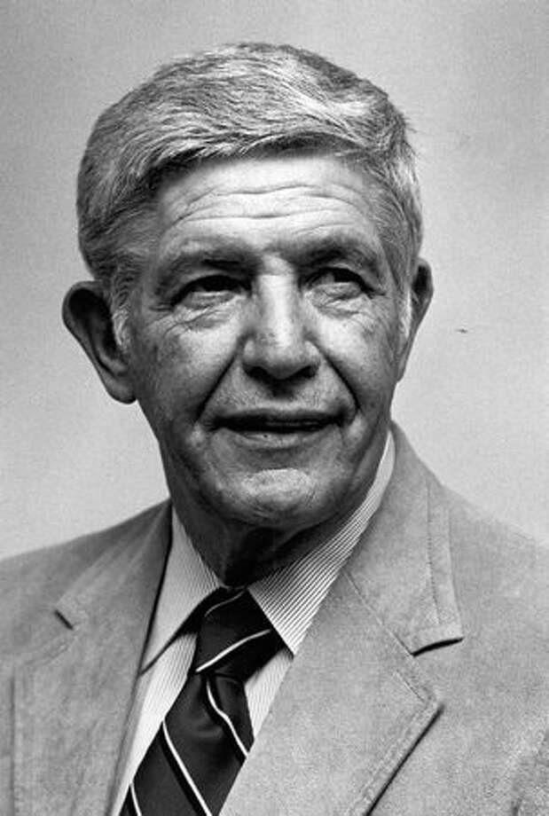 The September 1985 photo caption read: Marv Harshman is the seventh-winningest coach in college basketball history. Photo: P-I File