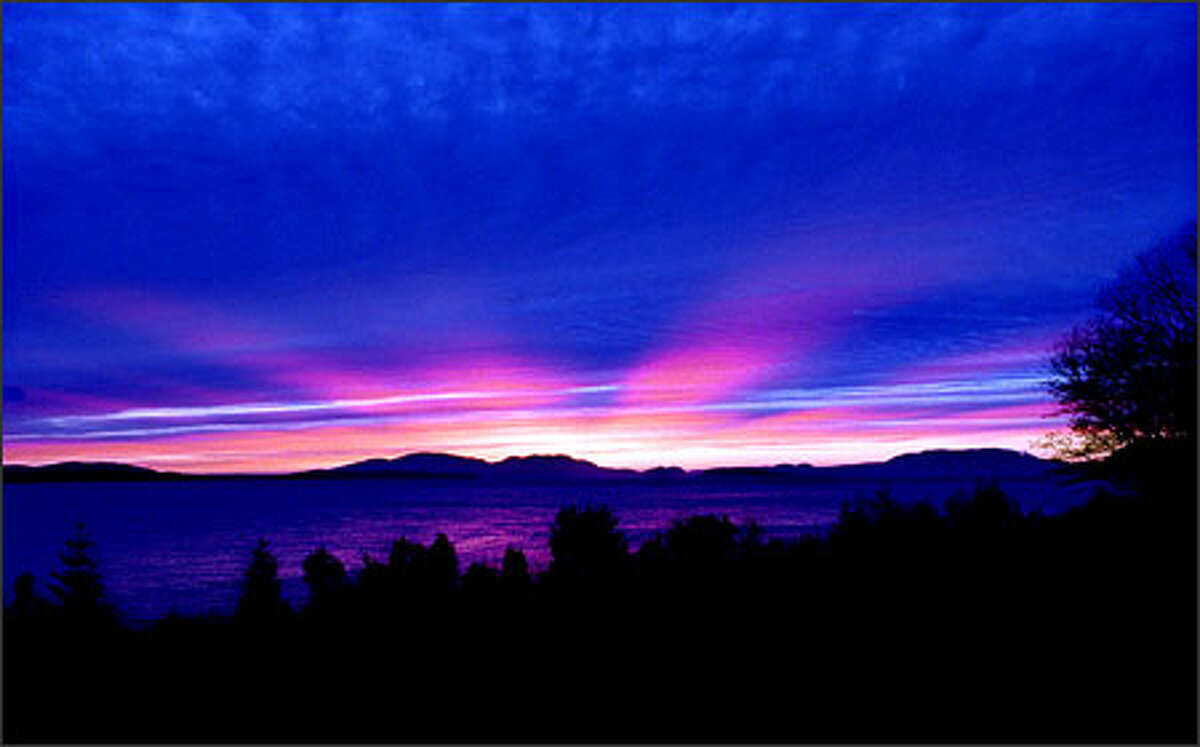 A spectacular sunset from the parking lot of Chuckanut Manor restaurant near Bellingham.