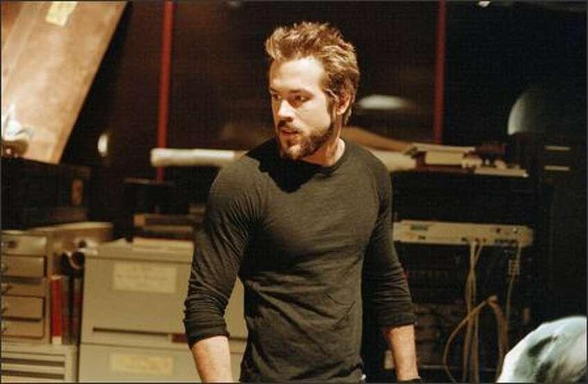 Ryan Reynolds stars as vampire hunter Hannibal King.