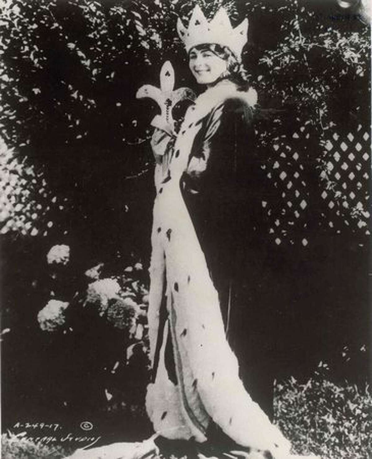 1922: Mary Katherine Campbell, Columbus, Ohio. Just 17 at the time, but the pageant was taking off in popularity and the winner was dubbed