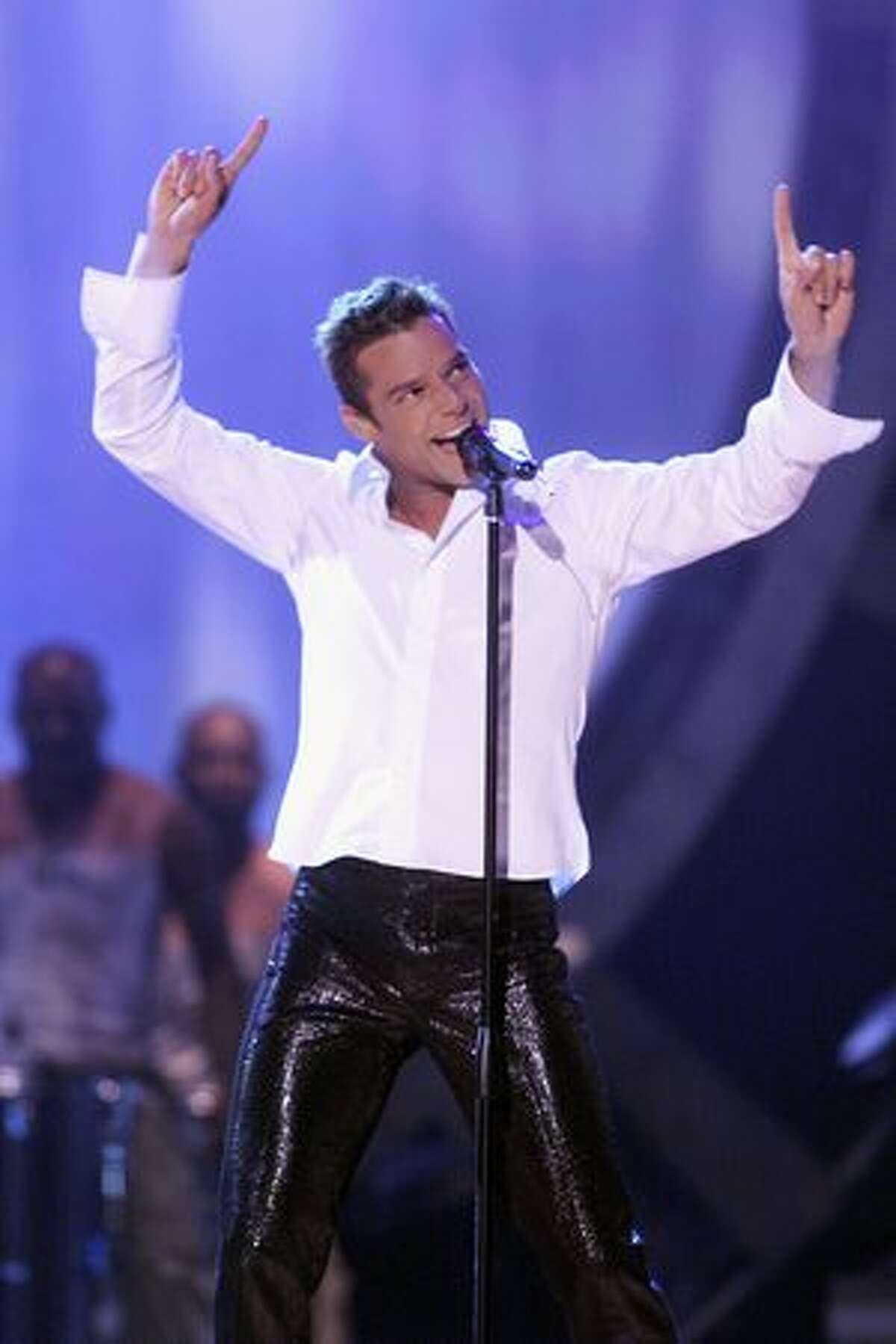 2000: Ricky Martin.
