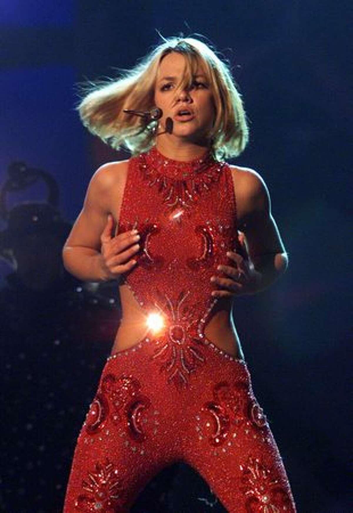 2000: Britney Spears.