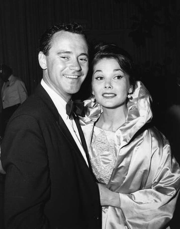 1960: Actor Jack Lemmon (1925 - 2001) with his actress wife Felicia Farr at an Academy Awards ceremony in Hollywood. Photo: Getty Images