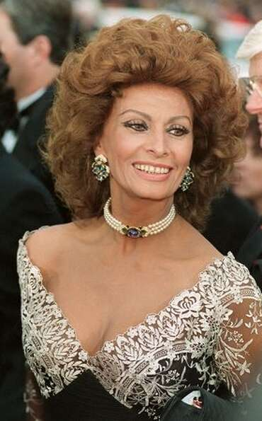 1993: Sophia Loren arriving at the 65th Academy Awards ceremony in Los Angeles.