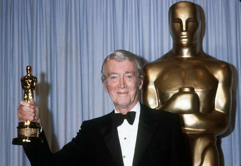 1985: Actor James Stewart (1908 - 1997) holds his honorary Oscar in Hollywood at the 57th annual Academy Awards. Photo: Getty Images