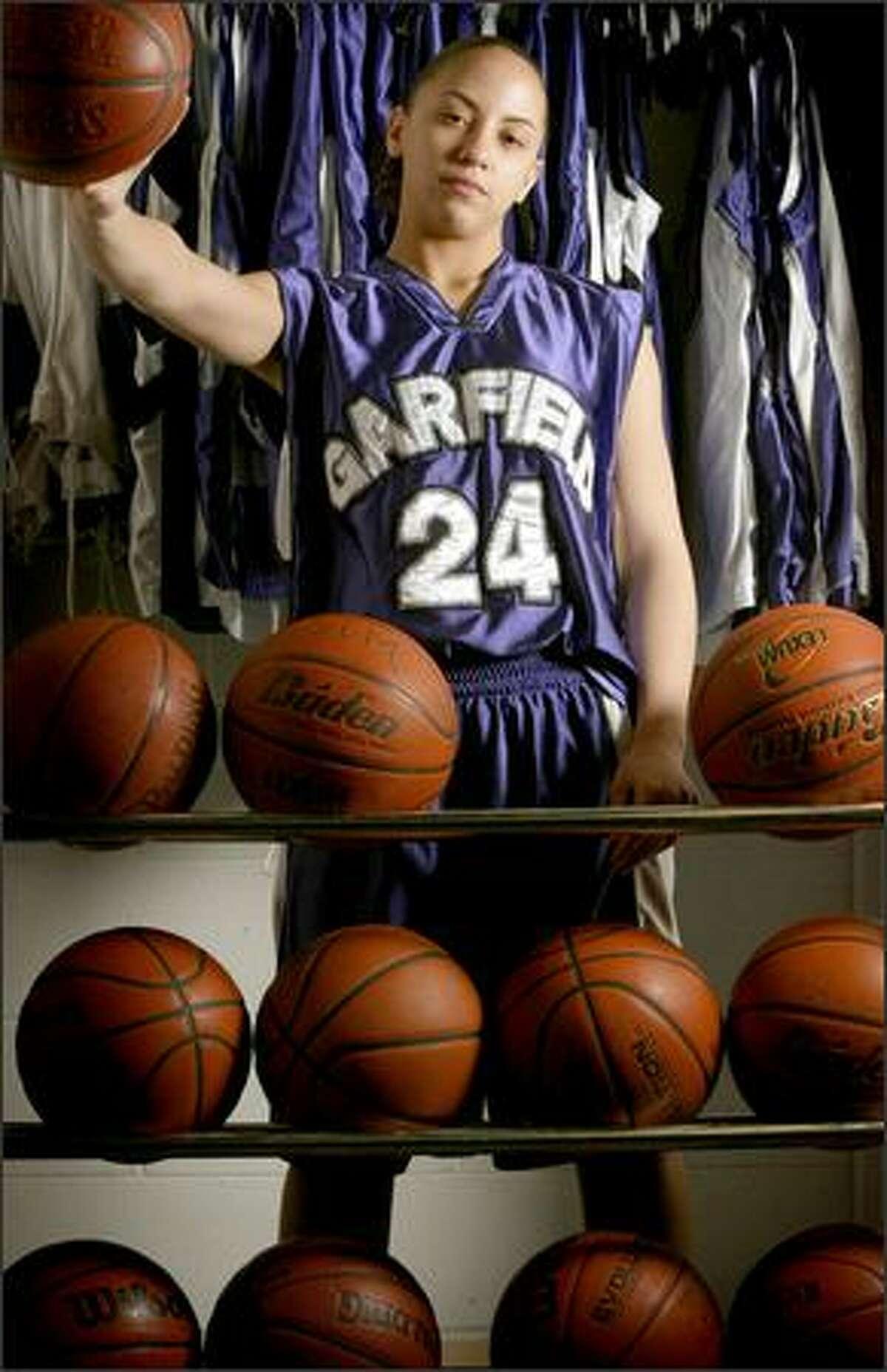 Garfield High School girls basketball player Malia O'Neal.