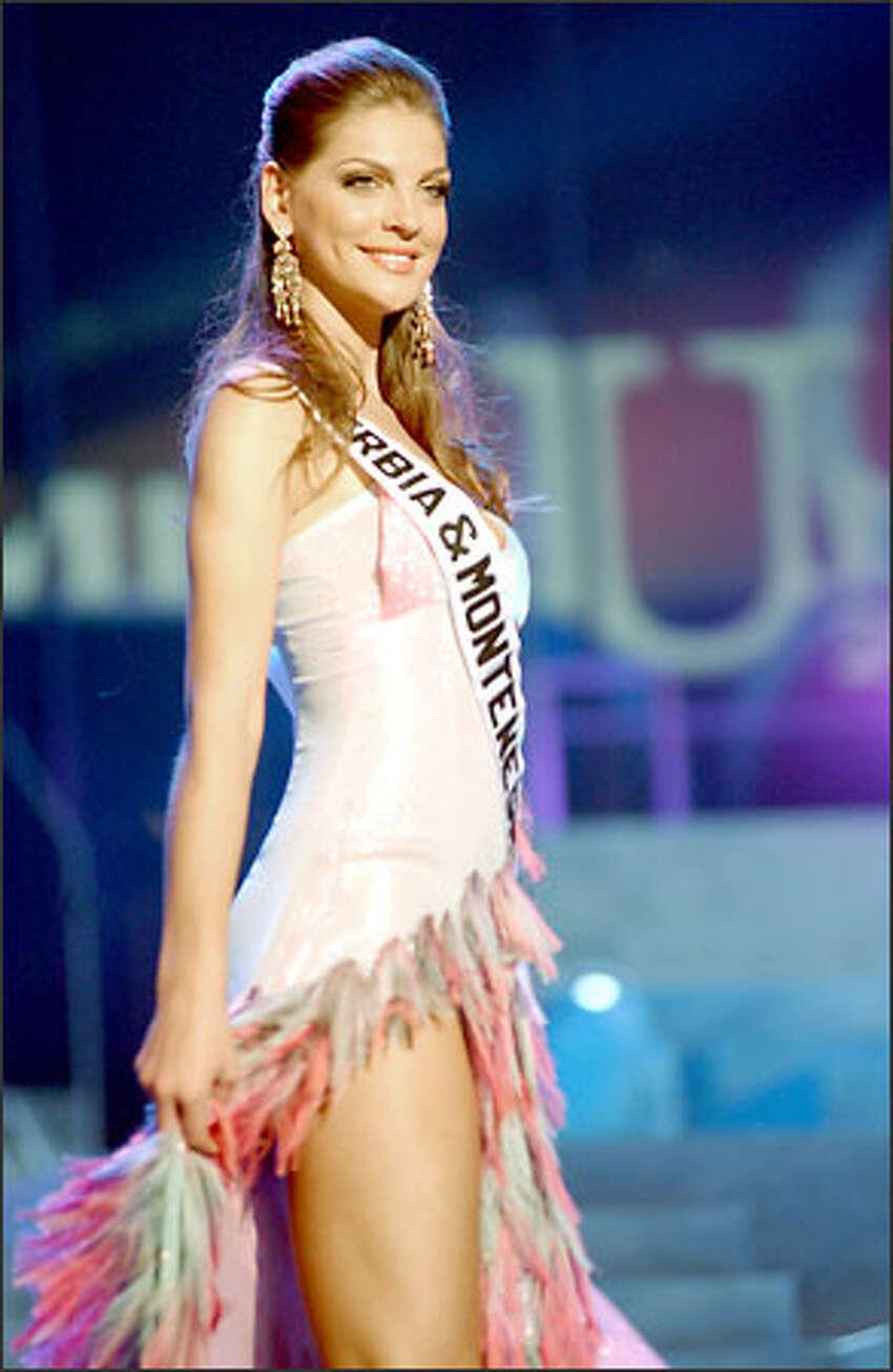 Dragana Dujovic, Miss Serbia & Montenegro.