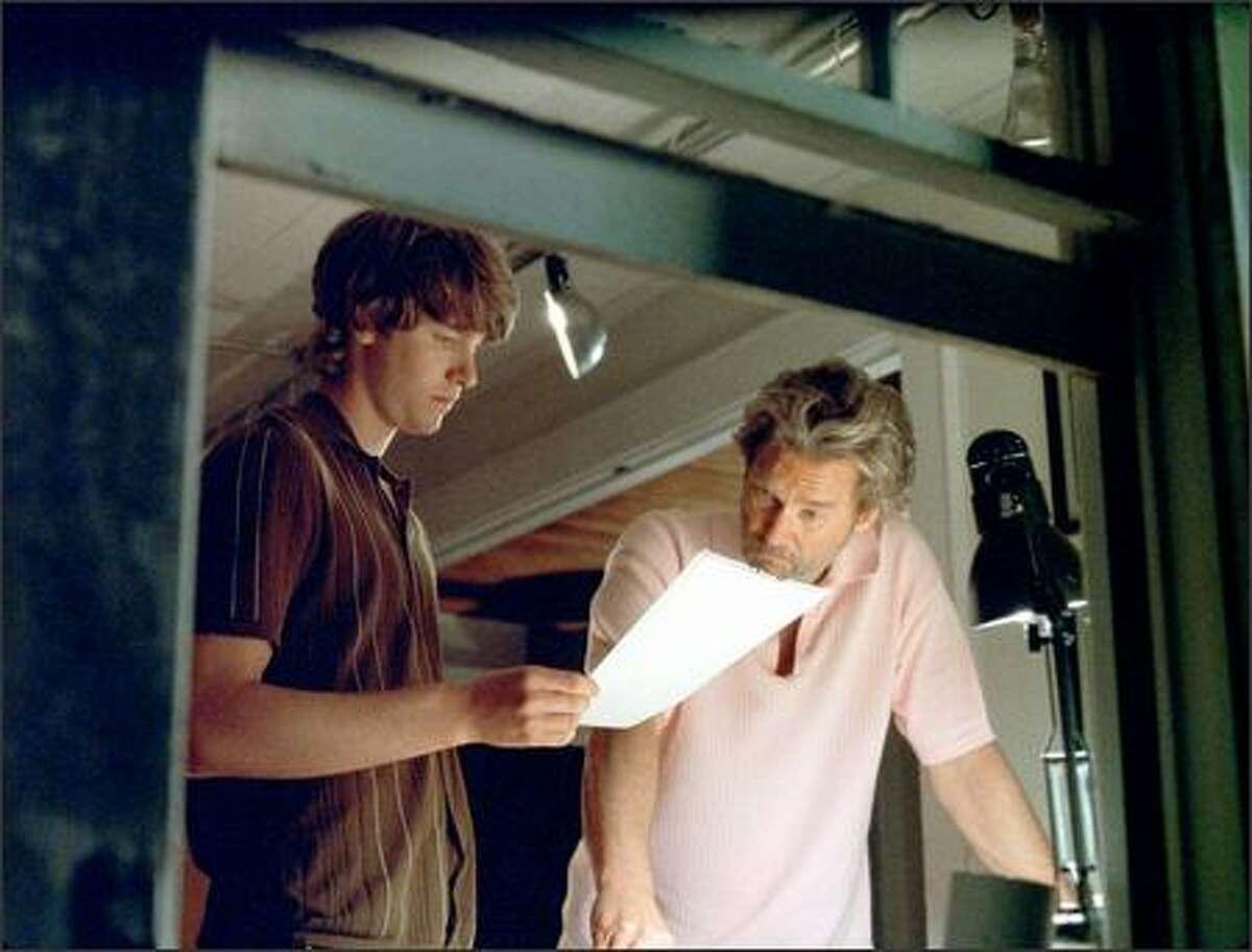 Jon Foster stars as Eddie O'Hare, a summer intern for Ted Cole (Jeff Bridges).