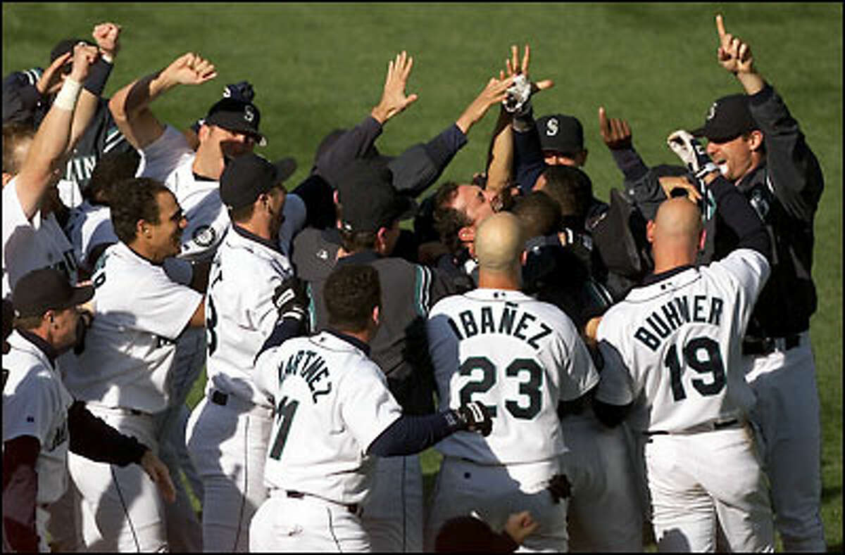 The Seattle Mariners win the western division series over the White Sox.