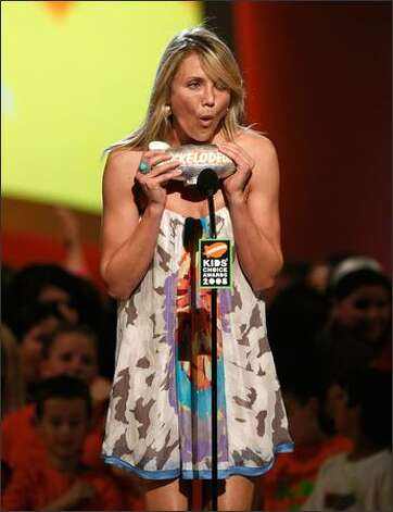 Actress Cameron Diaz accepts the Wannabe Award during Nickelodeon's 2008 Kids' Choice Awards in Westwood, Calif., on March 29. Photo: Getty Images
