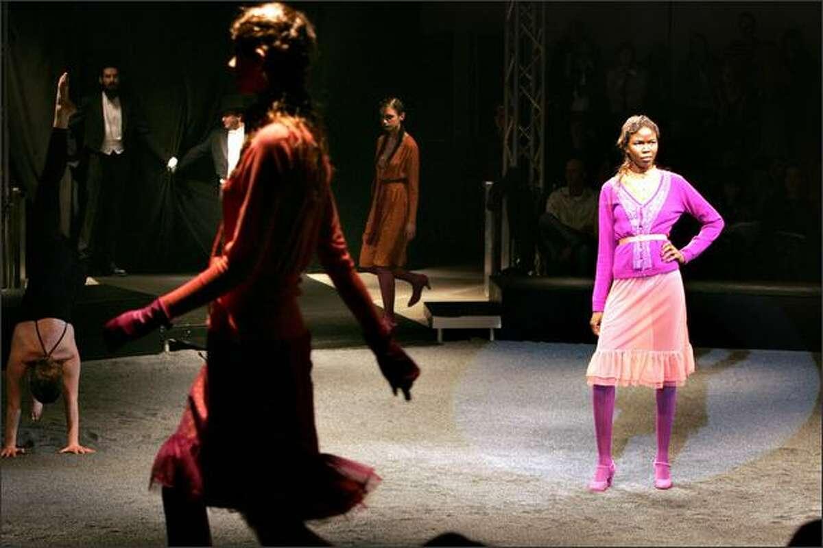 Copenhagen, DENMARK: Models present outfits by Danish Fashion house Noa Noa during Copenhagen Fashion Week 2006 in Copenhagen 10 February 2006.