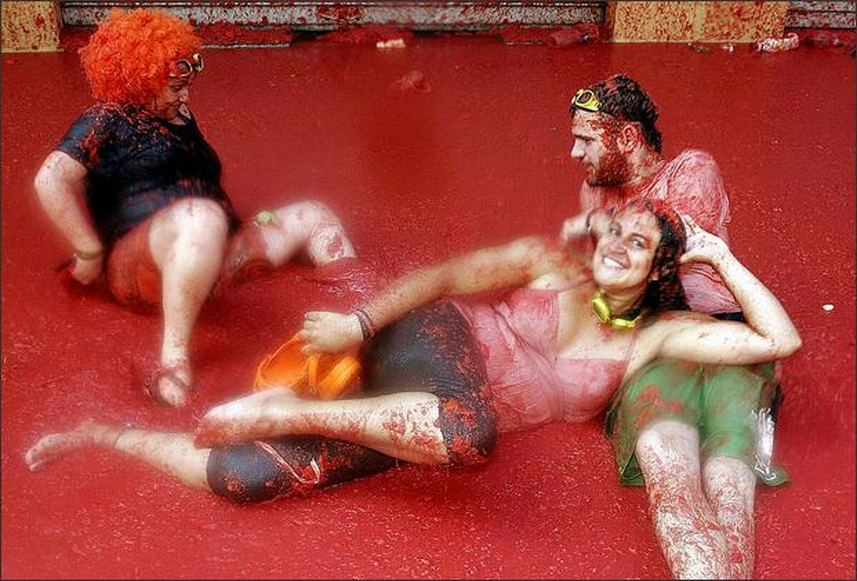Participants lay in tomato juice during