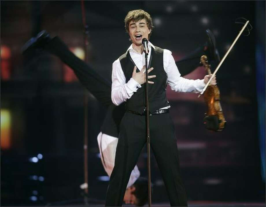 Alexander Rybak, representing Norway, performs. Photo: Getty Images