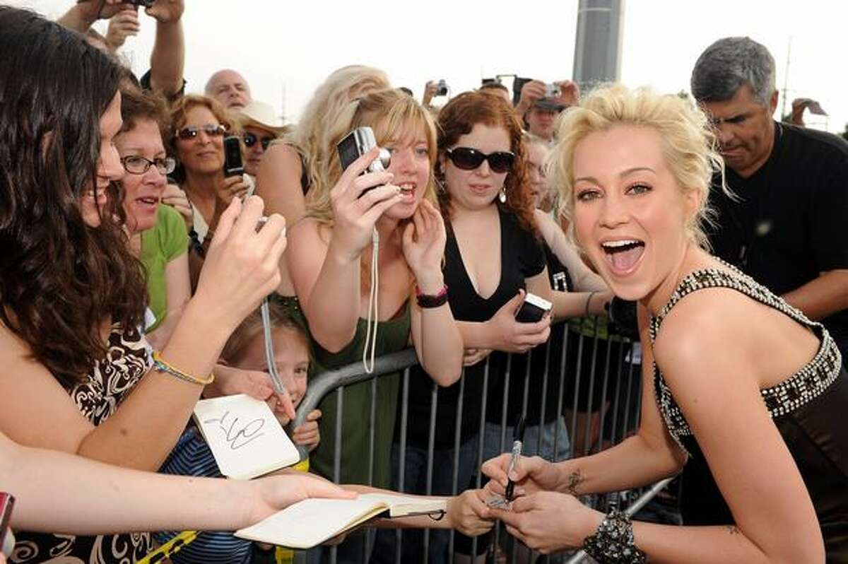 Singer Kellie Pickler.