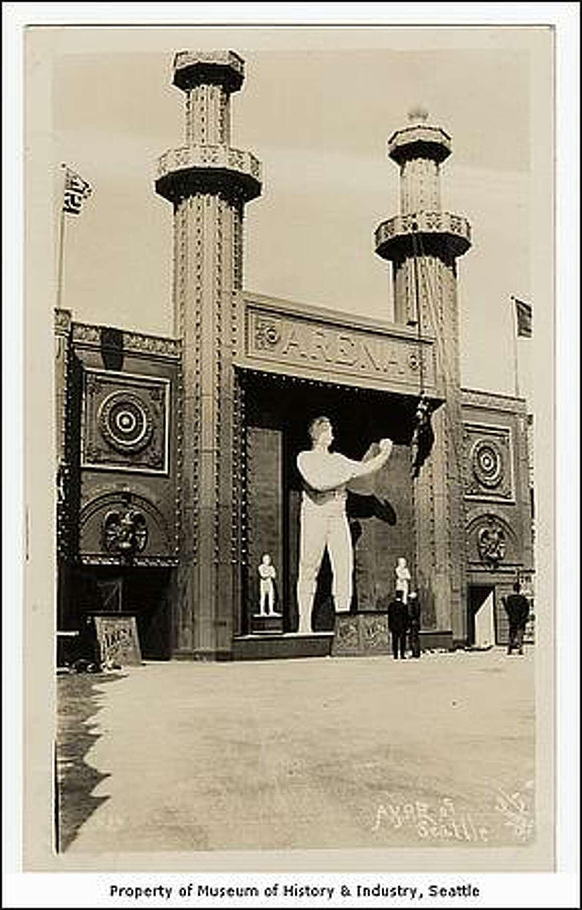 Arena Theatre, Pay Streak at the Alaska Yukon Pacific Exposition in Seattle in 1909. (Otto Daniel Goetze/MOHAI)