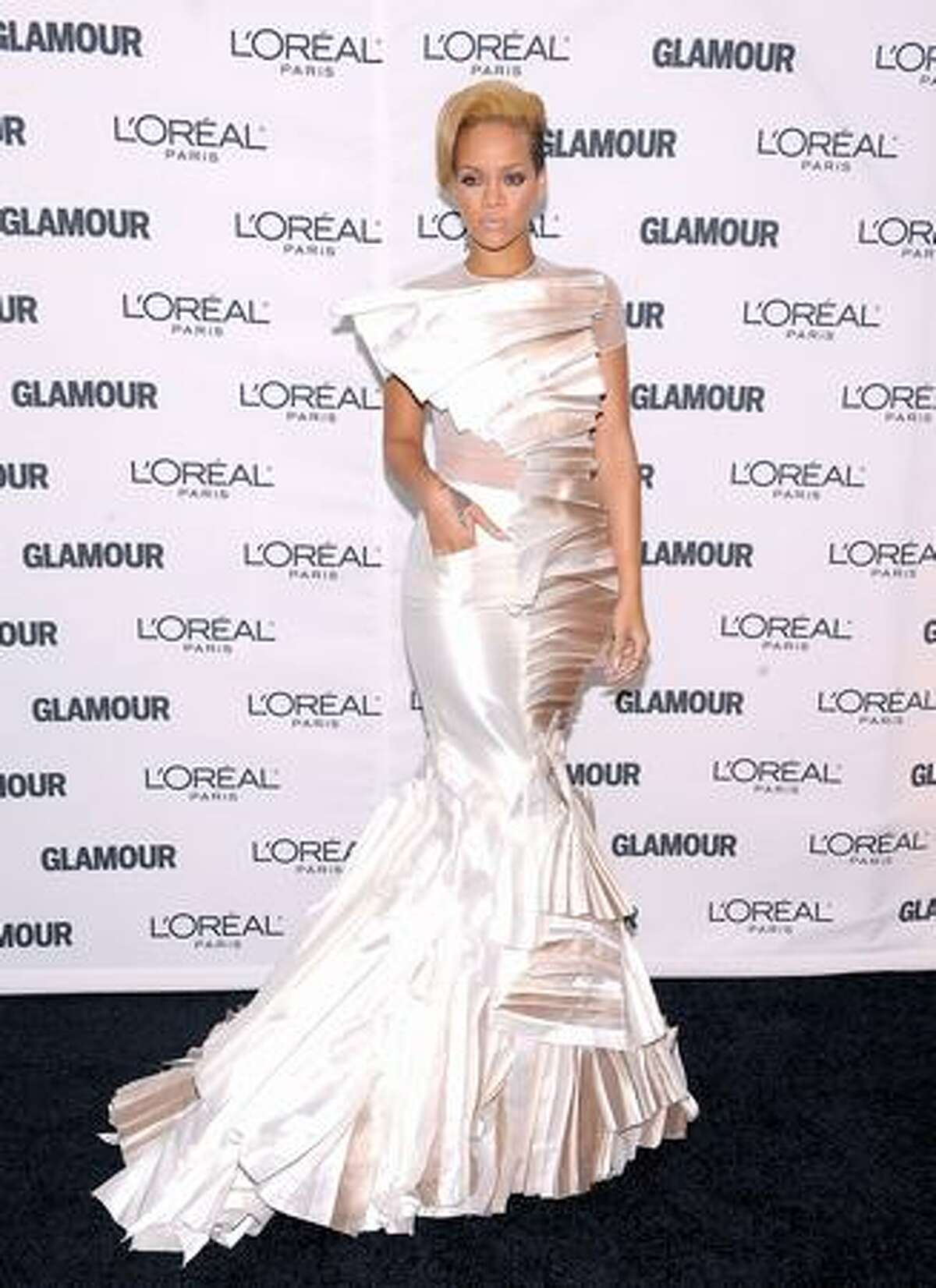 Singer Rihanna attends the Glamour Magazine 2009 Women of The Year Honors at Carnegie Hall in New York City.