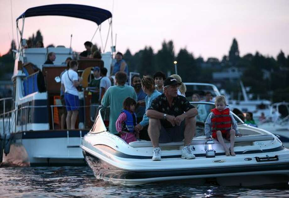 Boaters gathers on Lake Union. Photo: Joshua Trujillo, Seattlepi.com