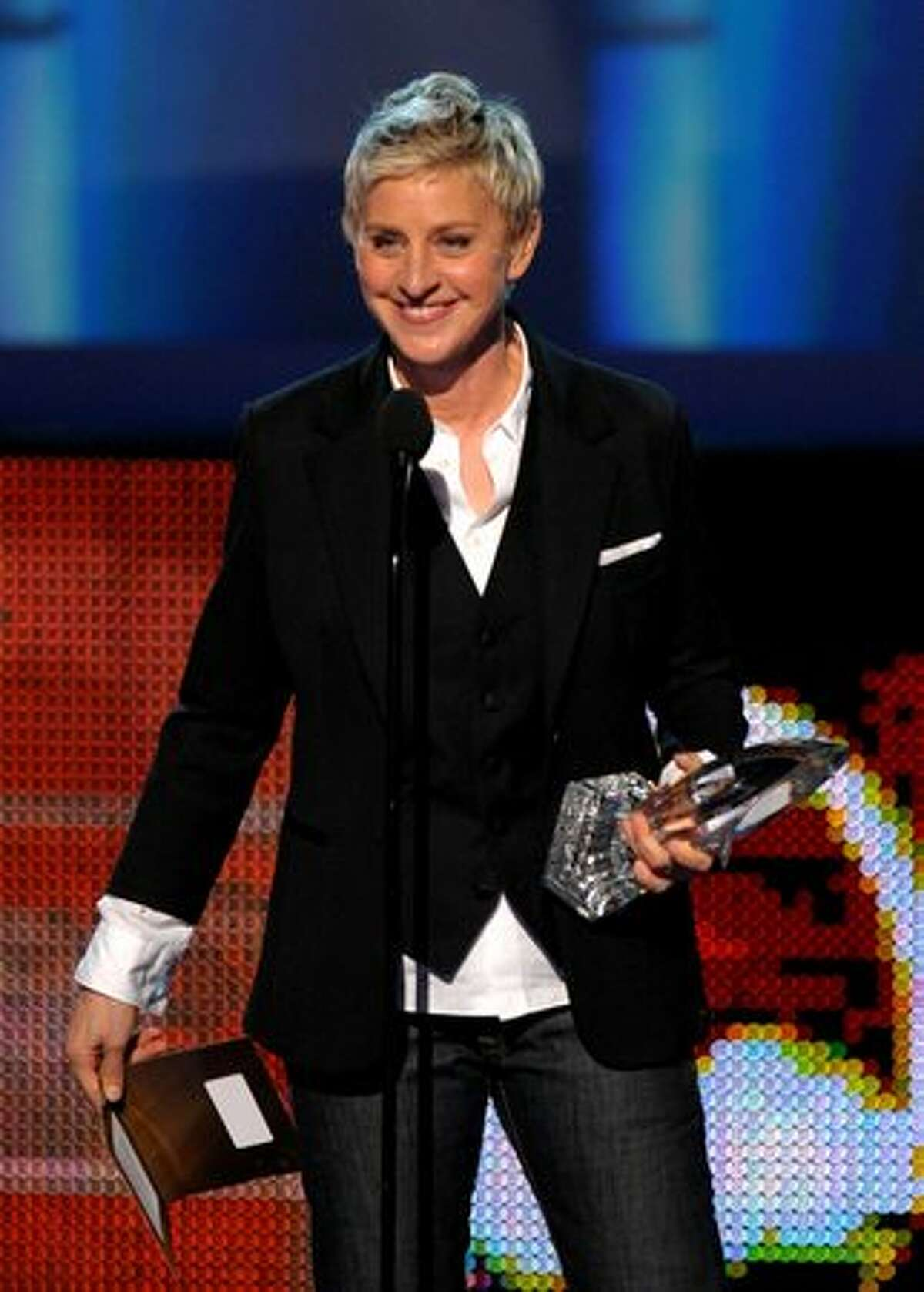 TV personality Ellen DeGeneres presents the Favorite Comedy Movie award.