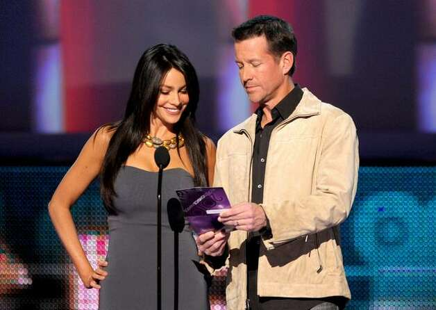 Actors James Denton (L) and Sofia Vergara. Photo: Getty Images