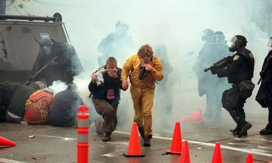 protesters and police clash on Nov. 30, 1999. (Photo by Paul Joseph Brown) Photo: Seattle Post-Intelligencer