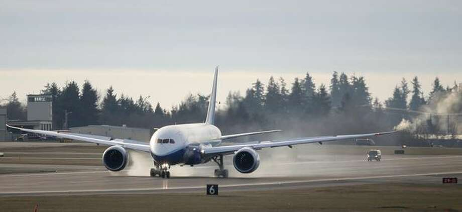 Boeing's 787 Dreamliner tests its brakes on the runway on Saturday at Paine Field in Everett. Photo: Joshua Trujillo, Seattlepi.com