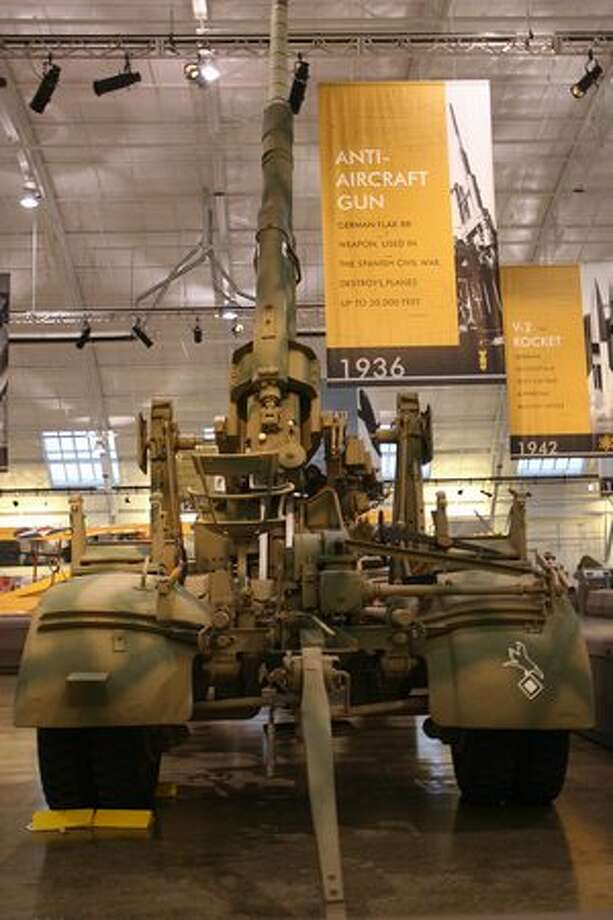 Flying Heritage Collection: German Flak 88This was one of the most famous World War II artillery weapons. Here's a video of one in action. Photo: Aubrey Cohen, Seattlepi.com