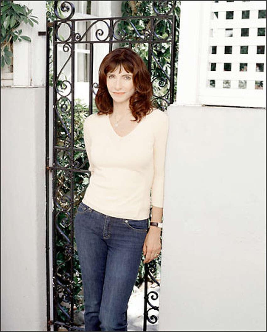 Mary Steenburgen stars as Helen Girardi in