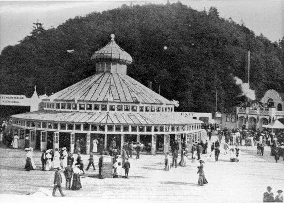 The Luna Park merry-go-round and carousel, 1907. The carousel is now in San Francisco. (Seattle Municipal Archives/28786) Photo: P-I File