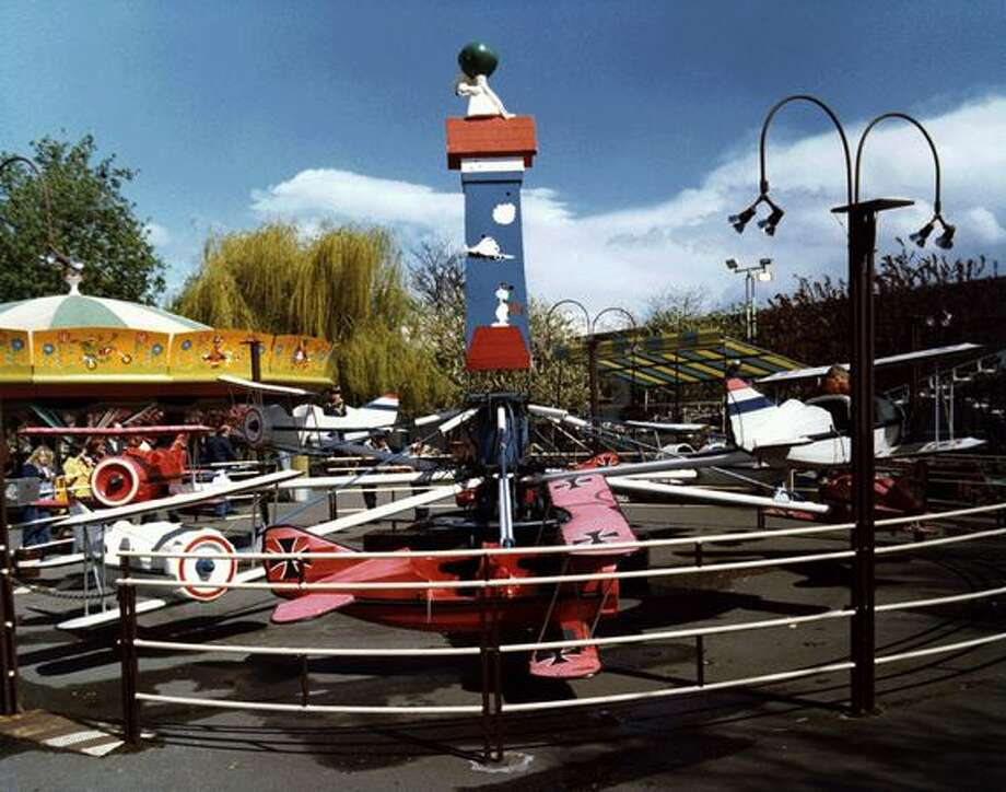 The Red Baron ride at the Fun Forest, circa 1970. (Seattle Municipal Archives/73209) Photo: P-I File