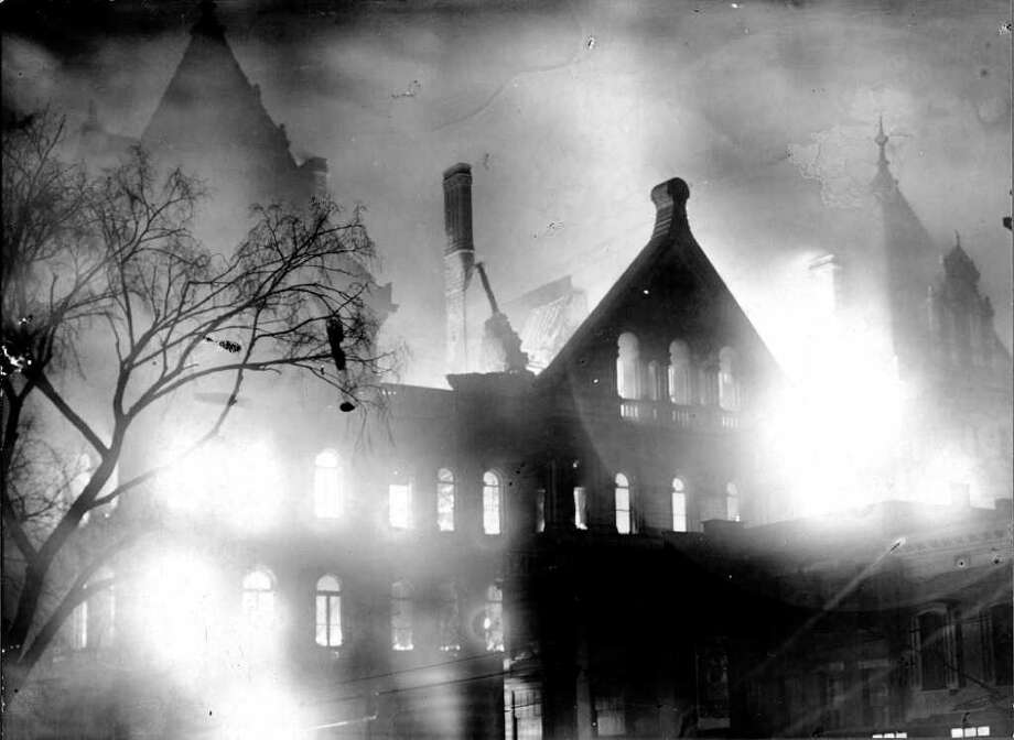 New York State Capitol in Albany burns during the March 29, 1911 fire. (Courtesy NYS Library)