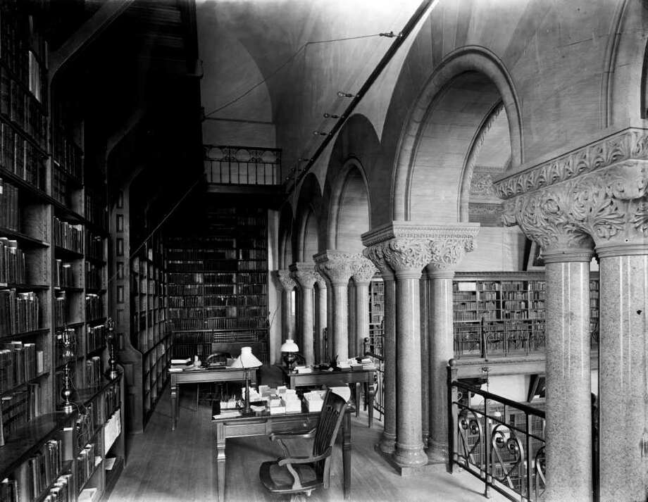 NYS Capitol library interior prior to the 1911 fire. (Courtesy NYS Library)