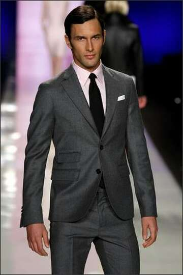 Комментарий: Классический стиль одежды для мужчин. . Мужской классический костюм