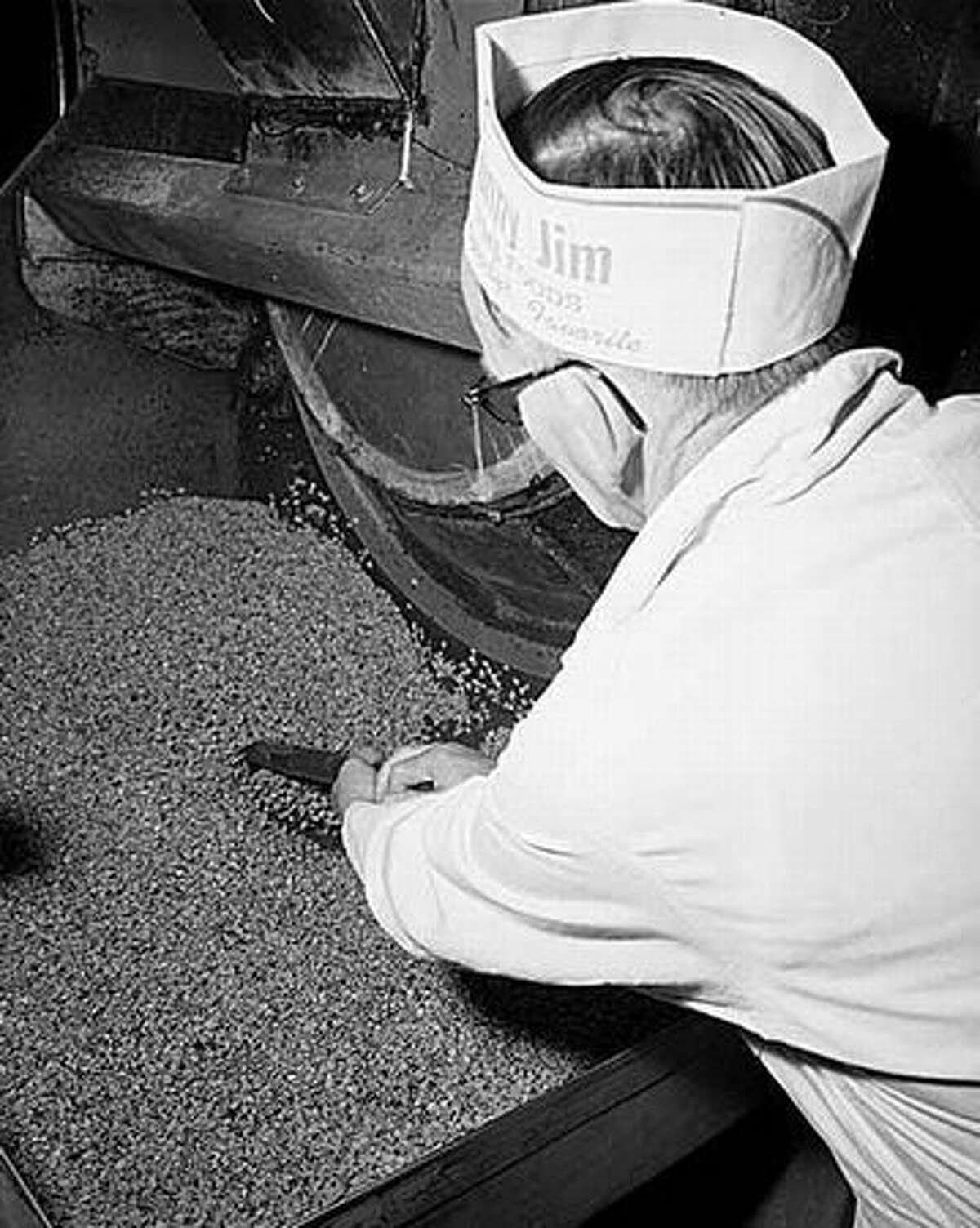 A 1967 photo from the Sunny Jim plant. (Seattlepi.com file/MOHAI)