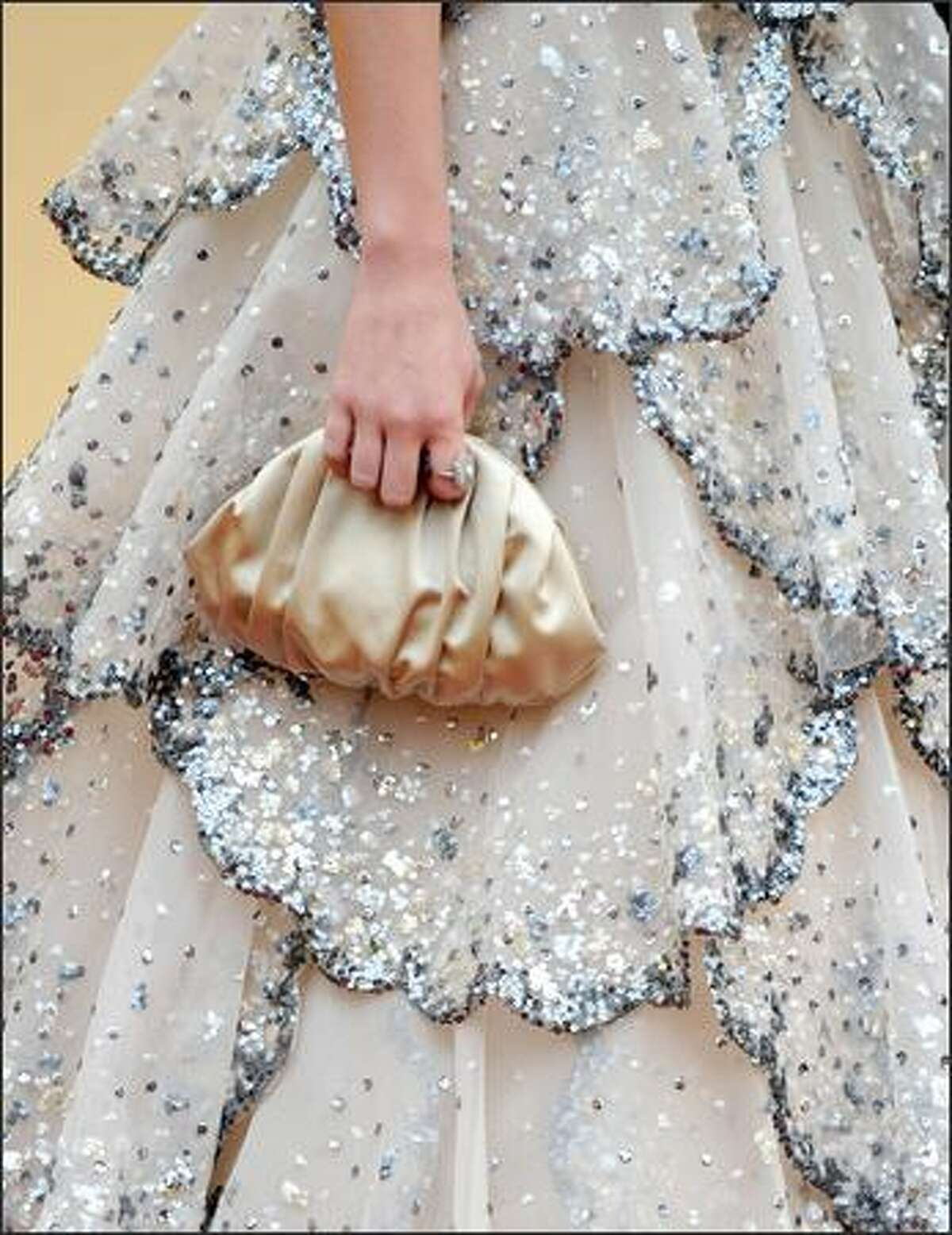 She had the perfect clutch to go with it as well.